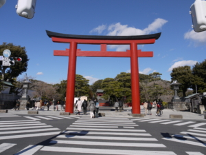 「鎌倉のメインストリート」若宮大路の引っ越しの歴史